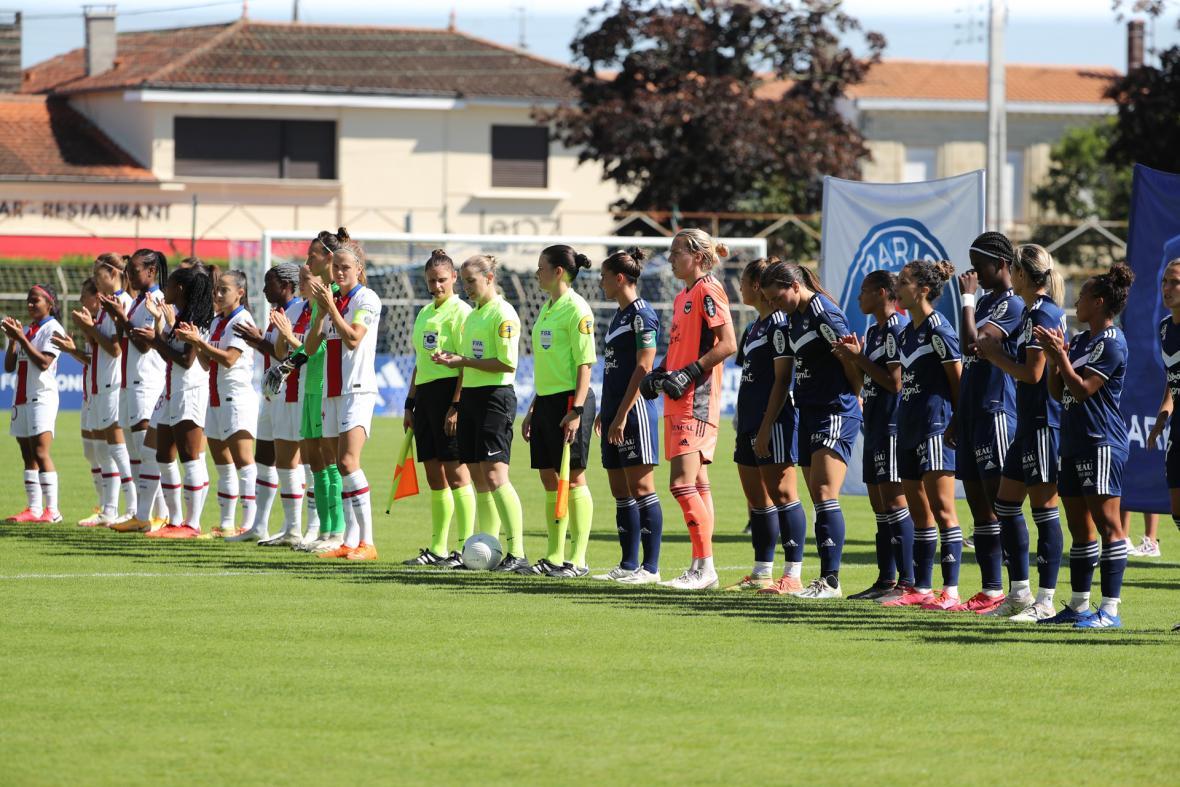 Photo d'équipes avant le match