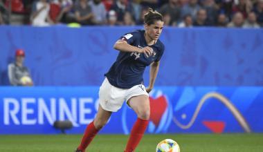 Charlotte Bilbault sous le maillot de l'équipe de France
