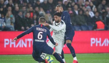 Otavio face à Verratti et Neymar