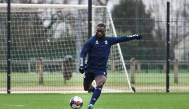 Youssouf Sabaly tente une frappe