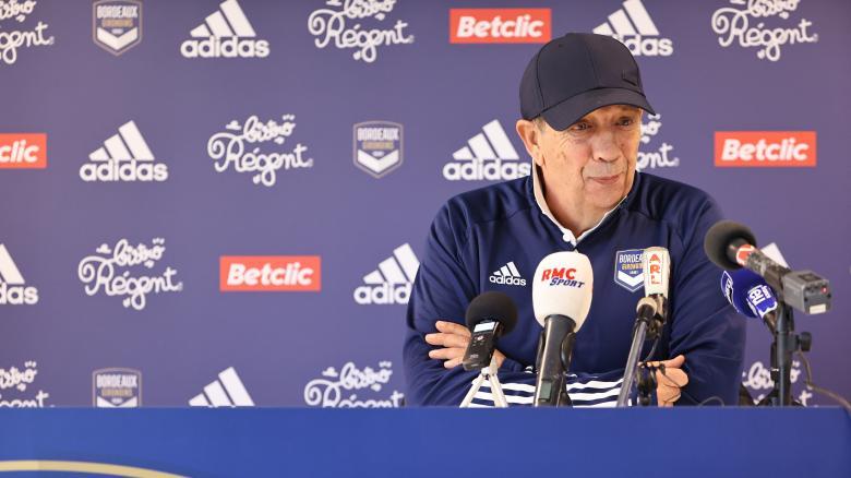 Jean-Louis Gasset en conférence de presse