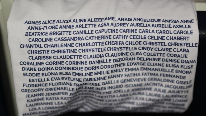 Un t-shirt afin de célébrer nos supportrices abonnées