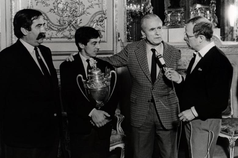 1986-08