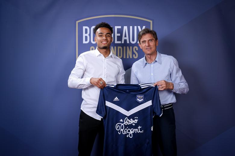 Tidiane Malbec signe son premier contrat professionnel (Juin 2021)